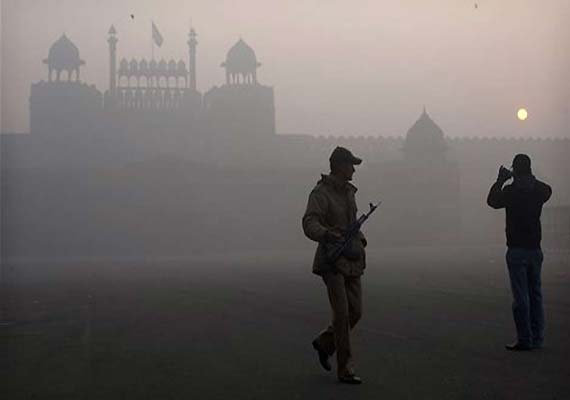Cold and chilly start to New Year in Delhi