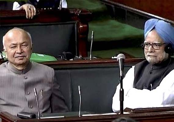 Ensure sense of security in Delhi, PM tells Shinde