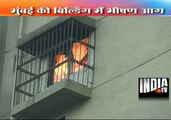 Fire guts 19th floor of jolly maker building in south mumbai for Jolly maker apartments cuffe parade