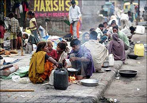 essay on poor people in india
