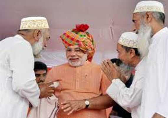 India's Muslims welcome Modi's gesture to Pakistan