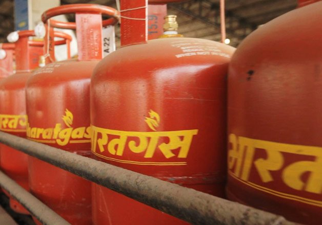 Over 1 million consumers give up LPG subsidy | India TV News