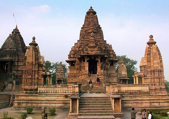 http://images.indiatvnews.com/mainnational/Khajuraho-the-T22547.jpg
