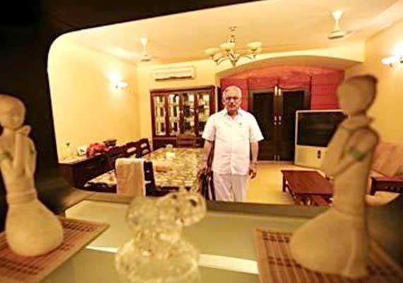 Know about Delhi's builder Deepak Bhardwaj