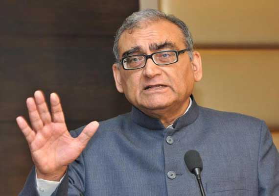 Quit if you can't abide by constitution, Katju to Jayalalithaa