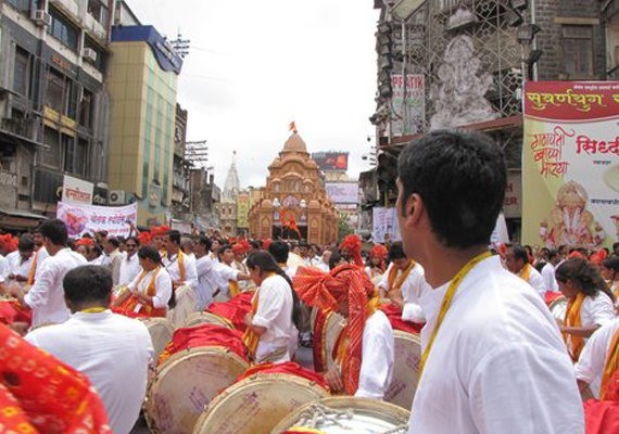 Mumbai mandal enforces dress code for Ganeshotsav