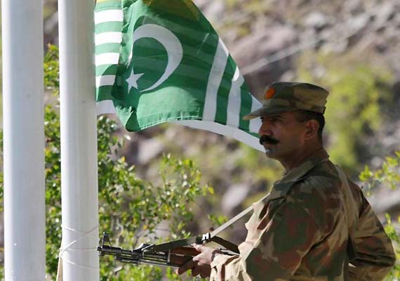 Pakistan resumes firing at Indian posts in Poonch sector, stops cross-border trade on LoC