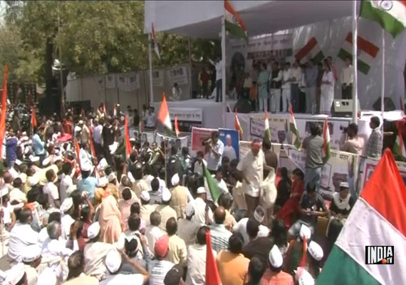 Passions Run High At Hazare's Protest Site