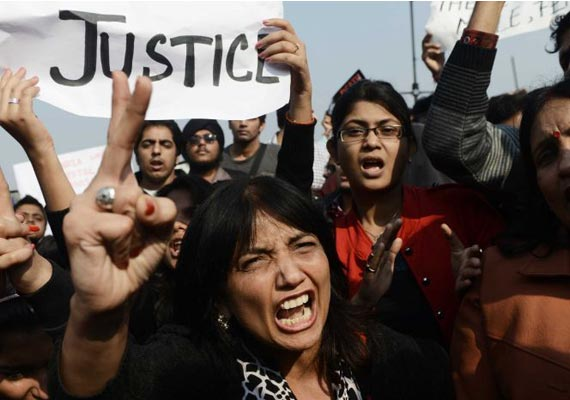 Anti-rape protests rage on in Delhi