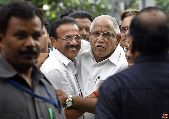 Sadananda Became CM By Luck, Says Yeddyurappa