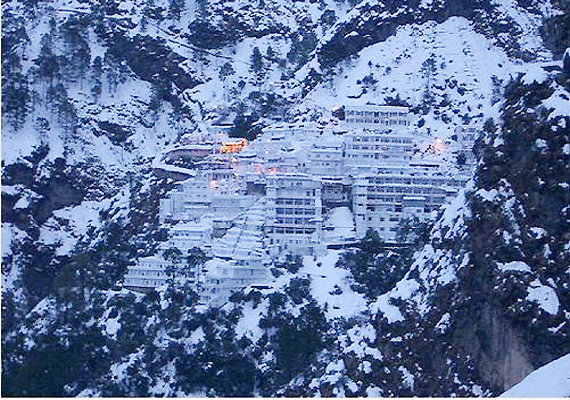 helicopter services to vaishno devi with Season S First Snowfall In Vaishnodevi Yatra On 13432 on Jai Mata Vaishno Devi together with Leh Ladakh India besides Season S First Snowfall In Vaishnodevi Yatra On 13432 together with Himalayanheli as well Kashmir Hosts First Football Coaching C  For Deaf Dumb.