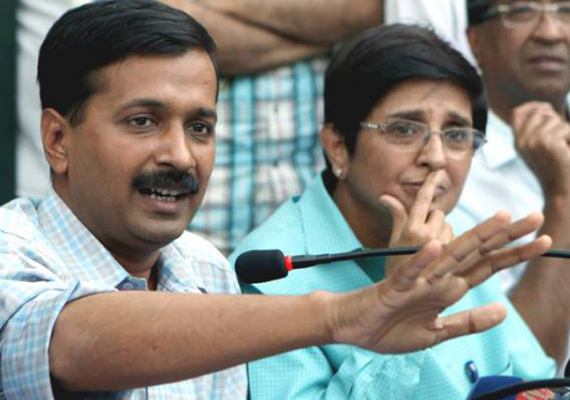 Team Anna Warns Lawmakers That People Are Watching Them