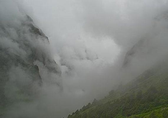 uttarakhand cloud burst Houses and vehicles have been severely damaged after a cloudburst in kundi village of chamoli district, uttarakhand in the early hours of monday the cloudburst has damaged the houses of three villagers, 10.