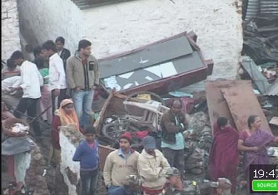 7 killed, 35 injured in water tank collapse on Bhopal slums