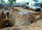 Minor girl entrapped into borewell for 4 hours, dies