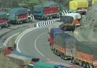 Jammu-Srinagar highway opens one way for Darbar move