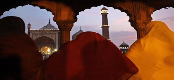 Know about Eid ul Fitr and its significance (Watch pics)