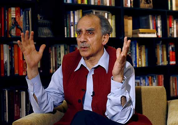 Allow PM to make statement on coal issue: Arun Shourie