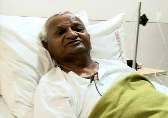 Anna Hazare stable in ICU, say doctors