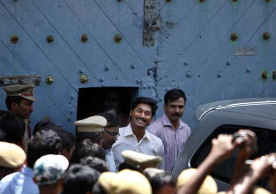 Jagan to remain in jail, CBI seeks permission for narco test