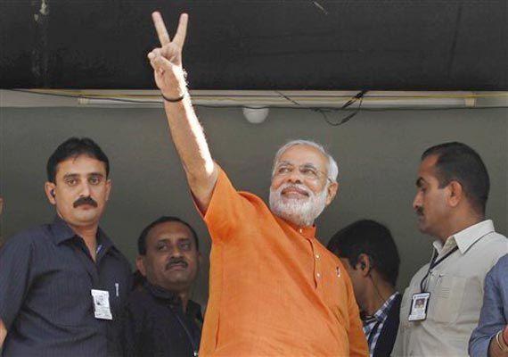 Keshubhai, Modi leading in respective seats