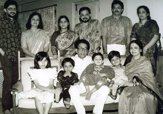 Know Bal Thackeray and his family
