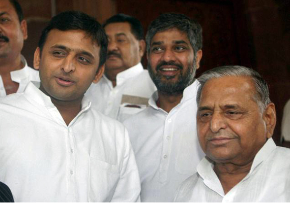 No relief for Mulayam, Akhilesh in disproportionate assets case