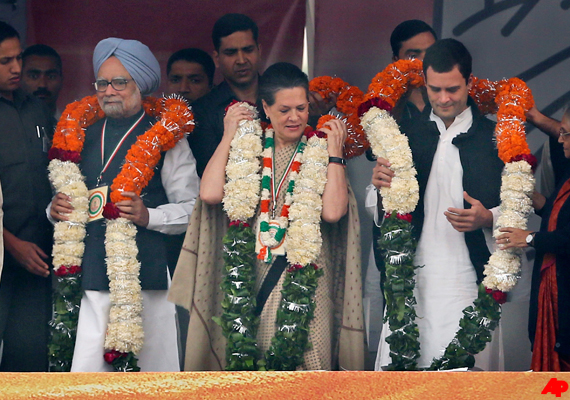 Sonia, Rahul and Manmohan hit out at detractors at Congress maha rally