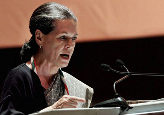 Sonia tells Congress meet, party will win 2014 LS polls