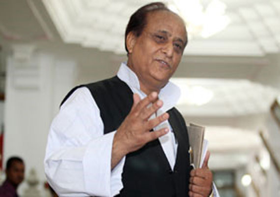 UP minister Azam Khan slaps train attendant, forces him to do 50 sit-ups