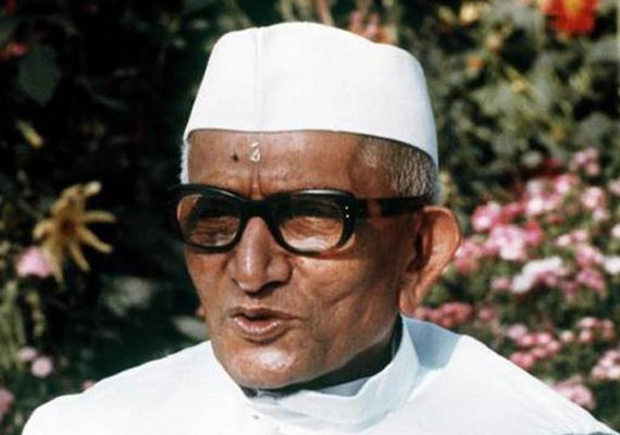 When PM Morarji Desai went to work with three ribs broken after surviving plane crash in Assam