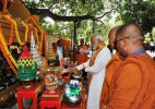 PM Modi offers prayer at Mahabodhi temple in Bodh Gaya