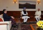 Congress leaders Sonia  Manmohan meet PM Modi at 7RCR on GST