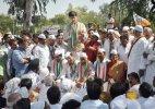 Denied entry in Dadri, Congress holds fast at Delhi-Noida border