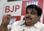 Govt not on back foot on land bill: Nitin Gadkari