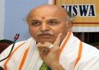 Pravin Togadia refutes reports of links with Hardik Patel