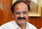 Naidu takes potshots at Congress over land bill issue