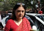 Dadri lynching: UP govt and SP 'manipulating' issue, says Maneka Gandhi