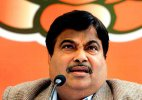 Congress hints at upping offensive against Govt over Gadkari issue