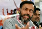 Yogendra Yadav hits back, terms AAP's showcause notice a 'joke'