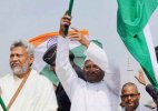 Anna Hazare to sit on 'dharna' against land ordinance in Delhi today