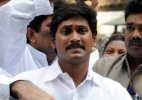 Police foil Jaganmohan Reddy's fast, shift him to hospital