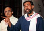 Yogendra Yadav, Prashant Bhushan likely to be axed from AAP PAC&#63
