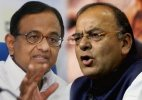 Arun Jaitley calls for reconsidering judgment on gay sex
