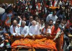 BJP workers face people ire in Varanasi