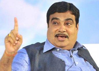 Gadkari meets RSS chief, says no discussion on Maharashtra politics