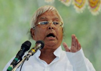 'Unhappy' with Nitish, Lalu may pull out from Janata Parivar