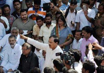 Dadri lynching: Complaint against Mahesh Sharma, Sangeet Som, Naseemuddin Siddiqui