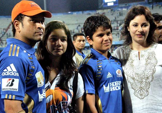 Sachin Tendulkar 39 S Unseen Family Pictures India Tv News