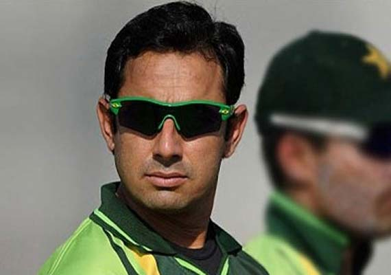 Ajmal has career-best figures, India top order fails again